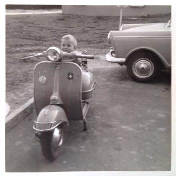 Auf Vespa 125 VNT von Vater im Jahr 1967